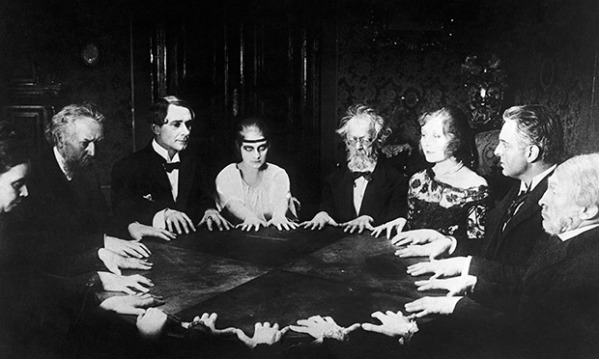 Seance Scene in Dr. Mabuse the Gambler