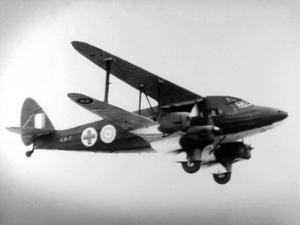 De_Havilland_DH.86_1_AAU_RAAF_in_flight_Feb_1942