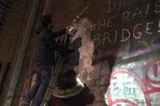 Banksy-in-Hull-being-saved-by-window-cleaner-Jason (482x321)